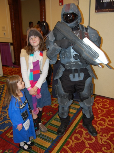 A Halo solider joins The Geeklings celebrating Doctor Who Day